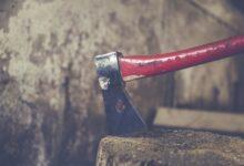 Holzspalter erleichtern die Arbeit, weil das Holz nicht mehr manuell gespalten werden muss.