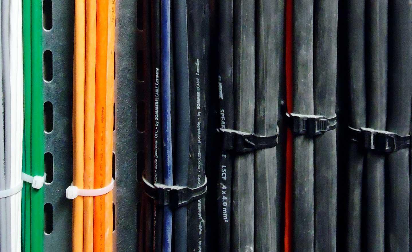 Kabelbinder endlos
