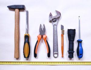 Diverse Autoreparaturen können auch vom Laien selbst durchgeführt werden. Voraussetzung: Das richtige Werkzeug ist vorhanden