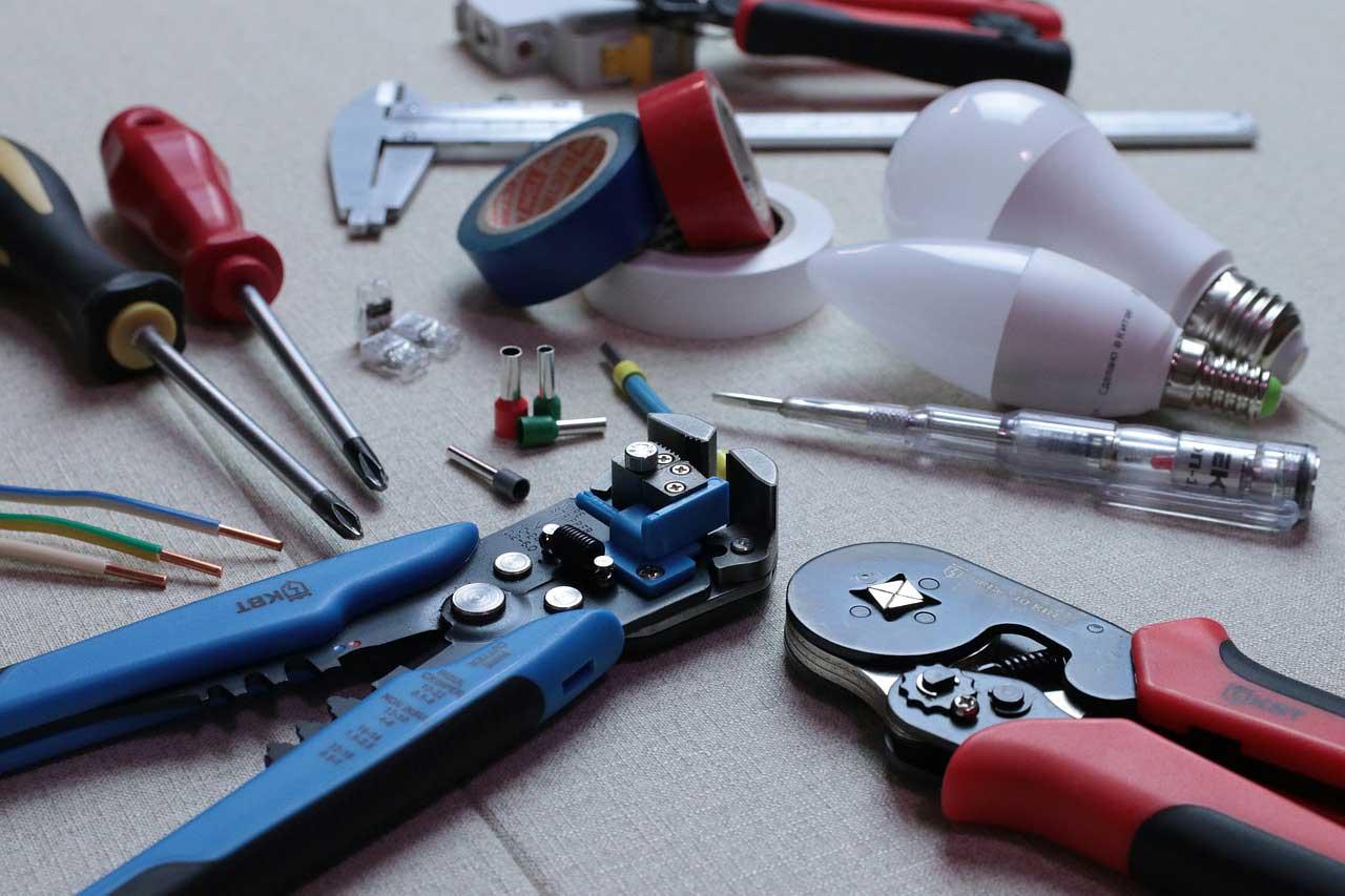Werkzeugkoffer Inhalt – Checkliste: Was muss rein?