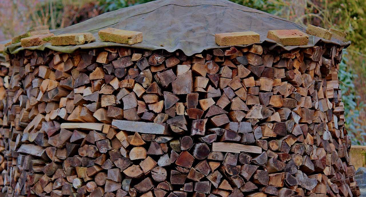 Welche ist die richtige Abdeckplane für Brennholz?