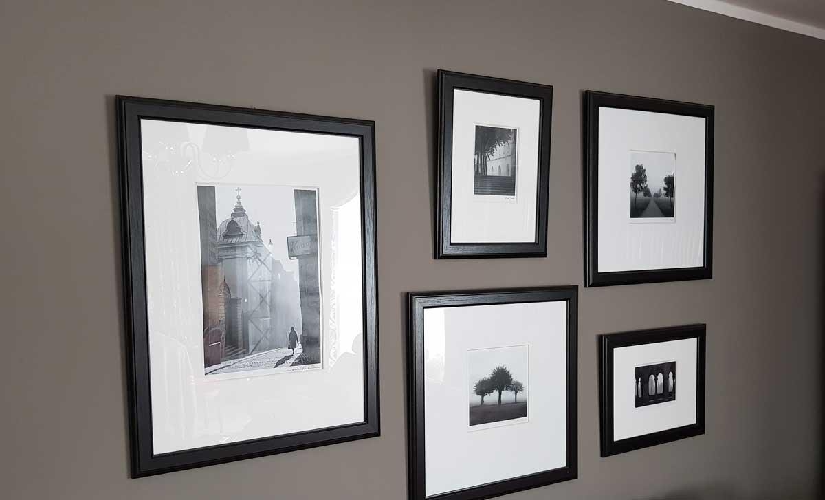 Bilder aufhängen ohne bohren - Varianten und Anleitung