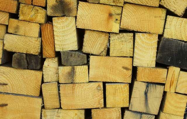 Brennholz-Einkauf im Sommer besonders günstig
