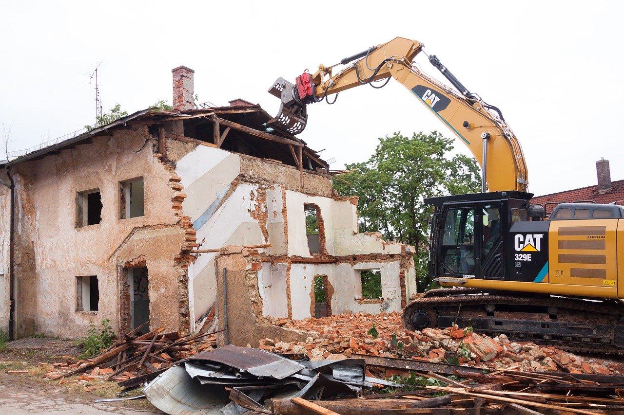 Was müssen bei der Entkernung und Abbruch von Gebäuden für Vorschriften beachtet werden?
