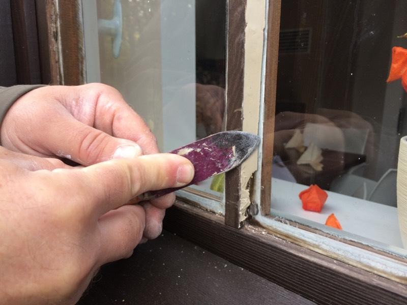 Fensterkitt Werkzeug zum Kitt entfernen und ausbessern
