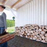 Verstellbare Kaminholzaufbewahrung für den Außenbereich