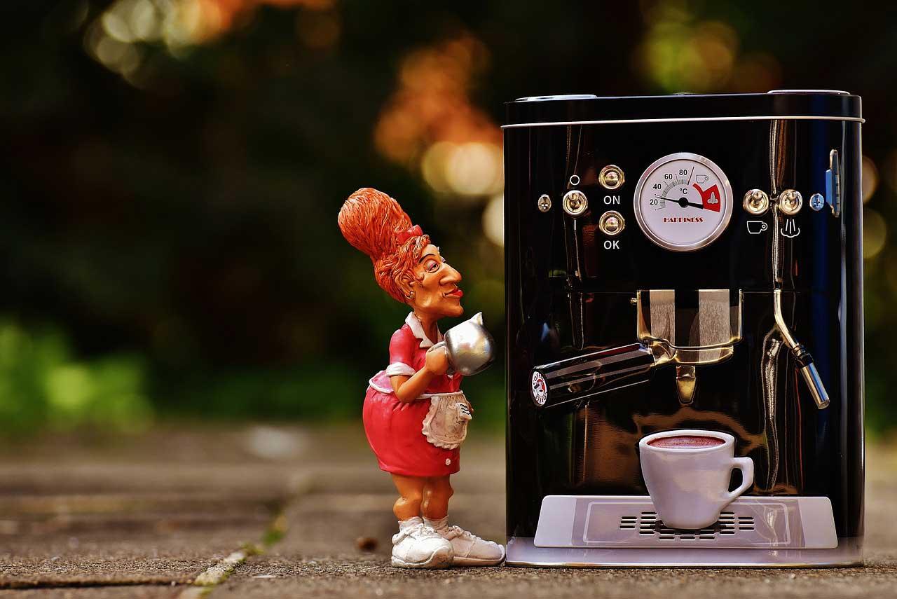 Kaffeemaschine entkalken und reinigen