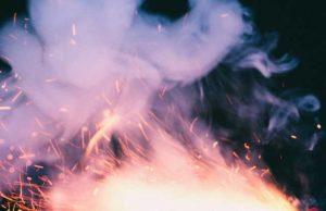 Kaminofen anzünden - Etwas Rauch kann nicht schaden