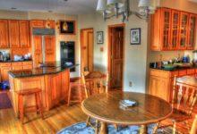 Bild von Einbauküche aus Naturholz
