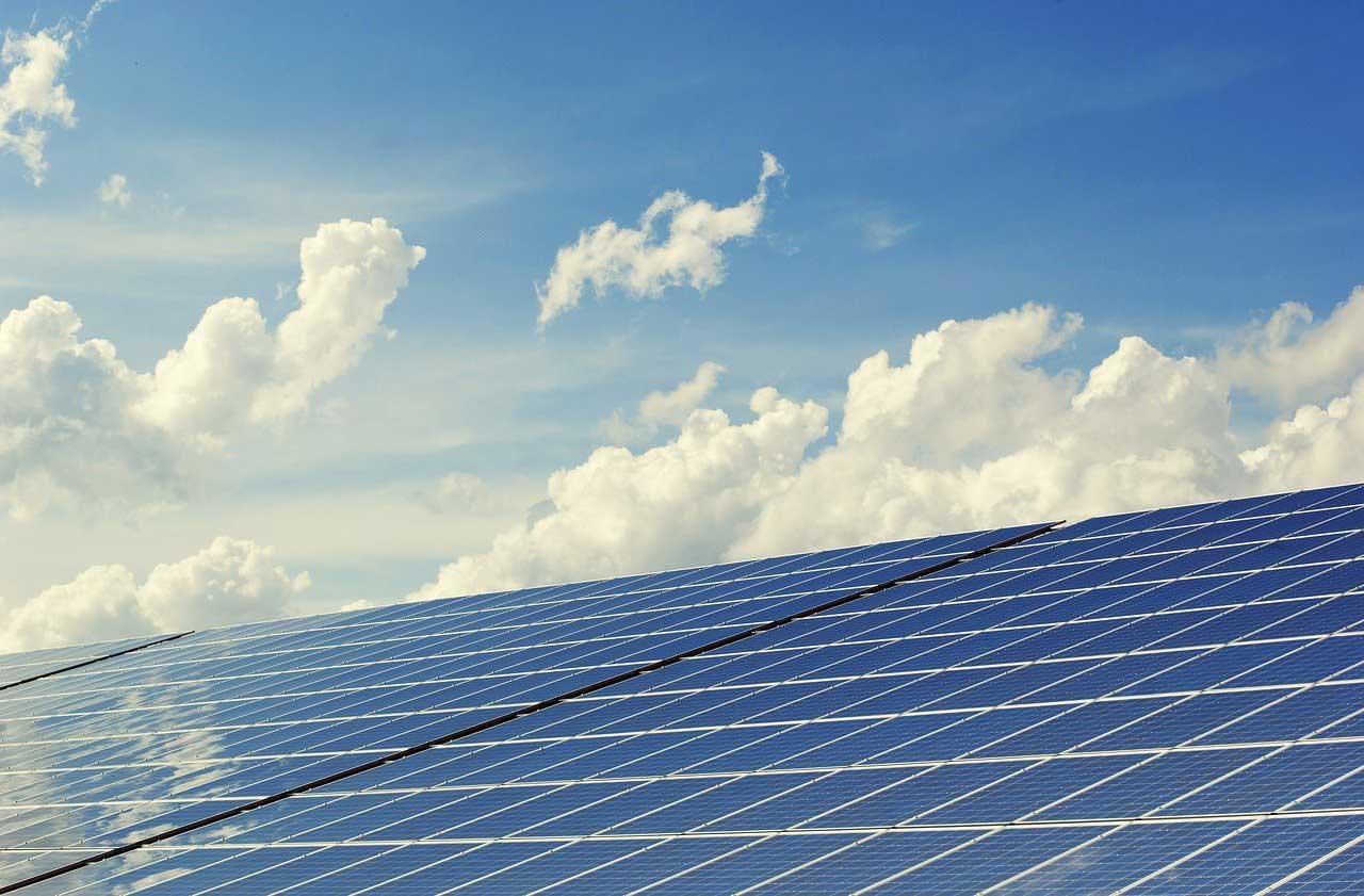Batteriespeicher: Kosten vs. Nutzen mit einer Photovoltaik-Anlage