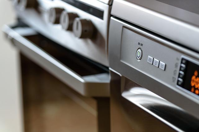 Jeder Kochvorgang steigert Temperatur und Luftfeuchtigkeit im Haus. Deshalb bei großer Hitze etweder kalt essen oder draußen grillen.
